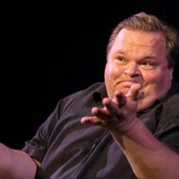 Review: Live Theater Returns, With Mike Daisey and His Beefs